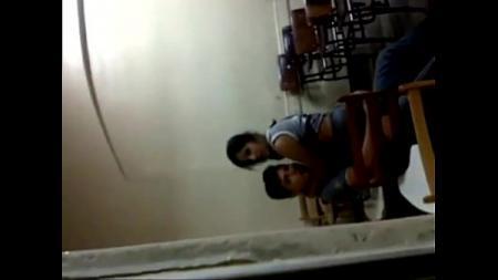 แอบถ่ายเพื่อนเย็ดกันในห้องเรียนคาชุดพละ