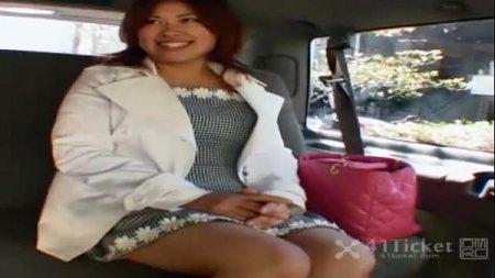 สาวใหญ่เสียท่าอาศัยรถคนอื่นกลับบ้านโดนxxxเลย