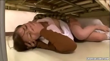 หนังโป๊ญ๊่ปุ่น2018คนไข้จอมหื่นจับพยาบาลมาขืนใจใต้เตียง จิตใจเมิงทำด้วยอารายยย