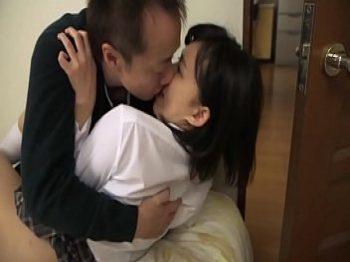 หนังโป๊ออนไลน์ญ๊่ปุ่น เล่นเสียวกับลูกเลี้ยงโครตตื่นเต้น ต้องแอบแม่มัน