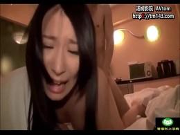 คลิปโป๊ญี่ปุ่นลับสุดยอดเบื้องหลังนางเอกสาวที่ถูกบังคับมาถ่ายหนังโป๊ใช้หนี้ สังเกตดี ๆ หียังสวยชมพูอยู่เลย แสดงว่าเพิ่งเคยเล่น