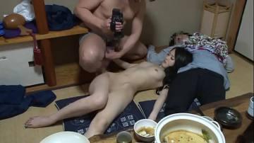 porn2019มอมเหล้าเพื่อนและแฟนเพื่อน แล้วจับแฟนเพื่อนเย็ด
