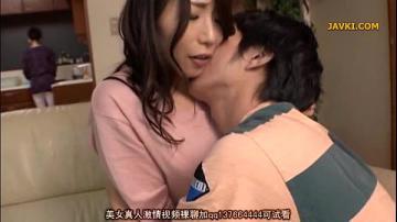 japan av julia คนสวยรับบทเป็นคุณป้า แอบเย็ดกับหลานชายตัวเองอย่างถึงใจ เพราะว่าหีมันร่านเหลือเกิน